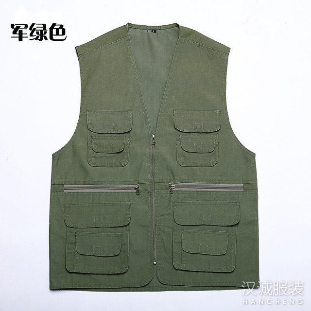 军绿色多口袋马甲